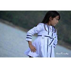 Gabardina niña Navy de Noma Fernández blanca combinada
