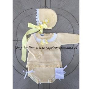 Conjunto bebé unisex de Carmen Taberner amarillo