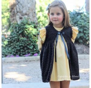 Vestido niña Lupita de Coccó Rose amarillo con chaleco