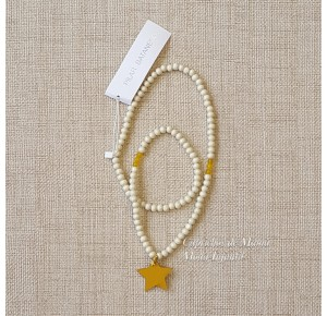 Collar estrella ocre de Pilar Batanero