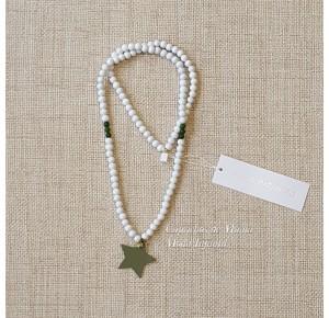 Collar estrella verde de Pilar Batanero