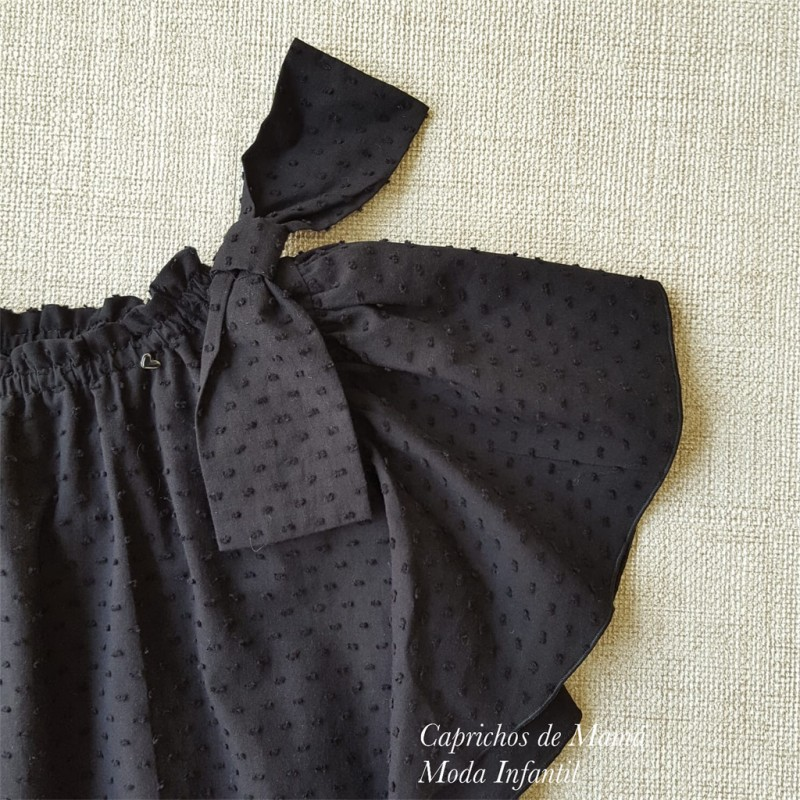 dc3a62689 ... Camisa niña de Mía y Lía plumeti negro lazos hombro ...