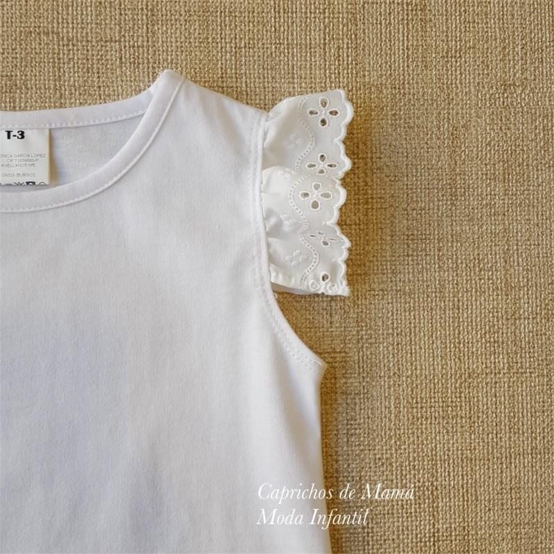 d12dcb4b1 ... Camiseta niña de Baby Yiro blanca volante tira bordada